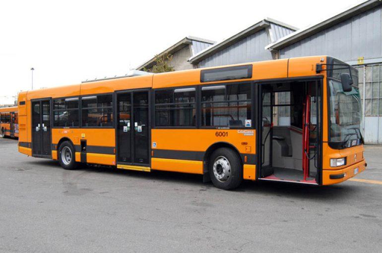 Pescara, ragazzino down multato sull'autobus