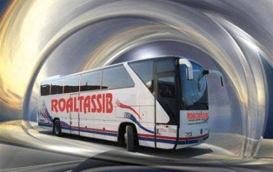 Sul bus per la Romania tra crisi da combattere, amori e speranze