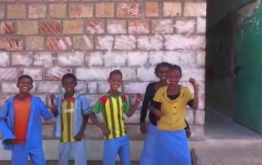 I bambini etiopi che cantano Even Flow
