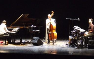 Avishai Cohen conquista Cesena, un jazz dalle Mille e una notte