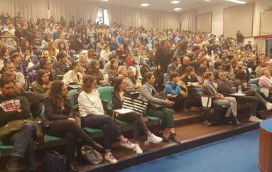 Referendum, confronto all'università di Pescara