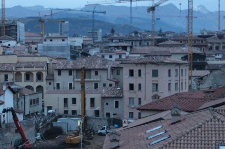 Lasciare L'Aquila: l'esodo legalizzato delle case equivalenti
