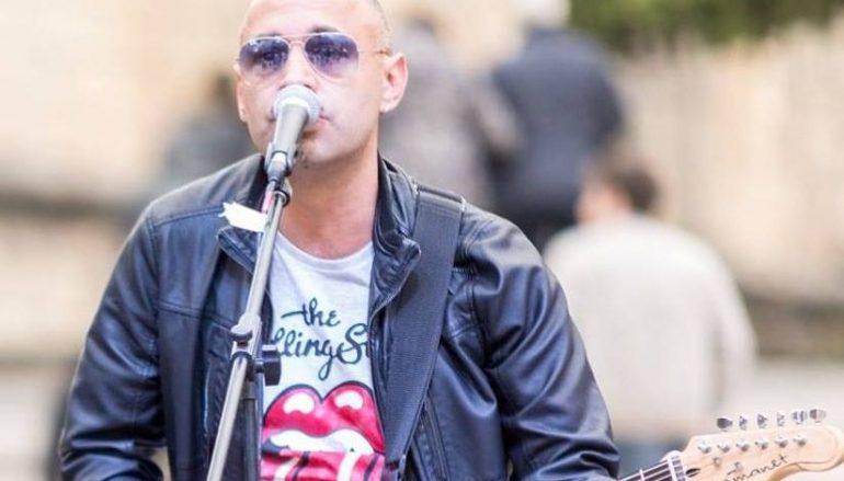 La poesia, il grunge e i viaggi: l'intervista con Outsider