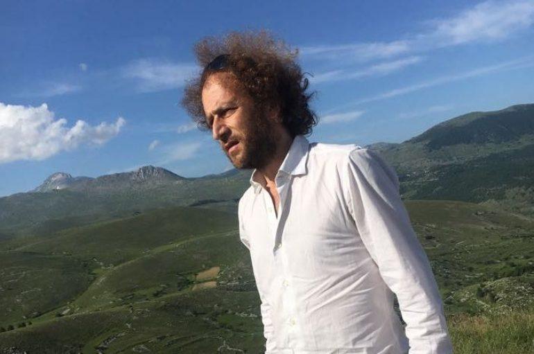 Tricarico torna a cantare sotto il cielo aquilano