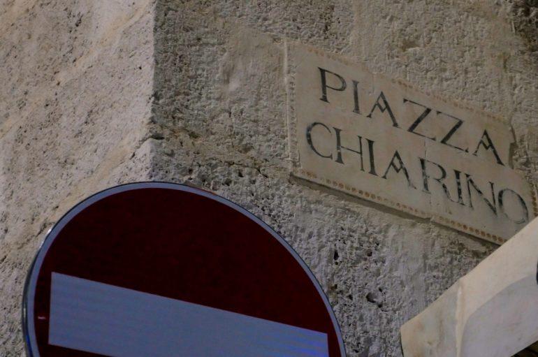 Piazza Chiarino il cuore della movida dentro una canzone