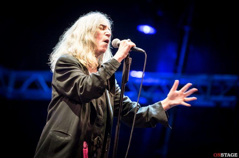 Avezzano, la poesia di Patti Smith accarezza il Natale