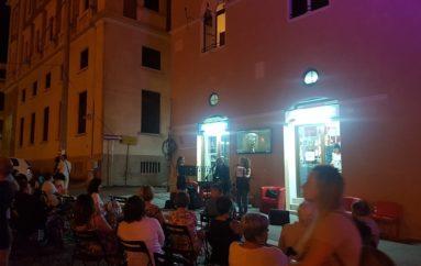 Sotto la luna, la vita. Lorca, Neruda, parole e musica