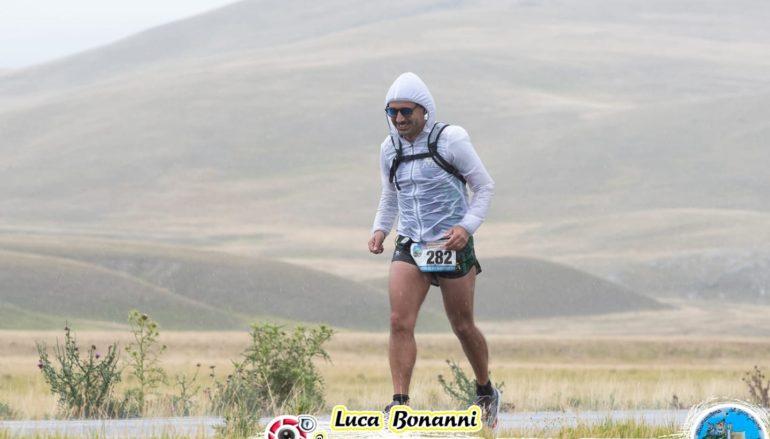Ultramaratona del Gran Sasso, si corre contro pioggia e vento