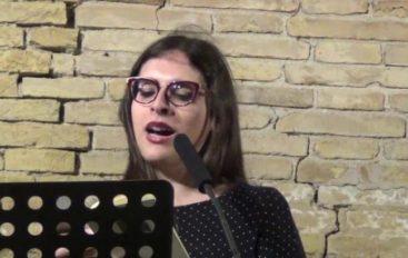 Poetessa segnalata al Bonanni licenziata perché trans