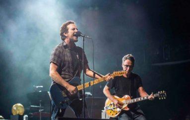 Il tour dei Pearl Jam su The Walk of Fame