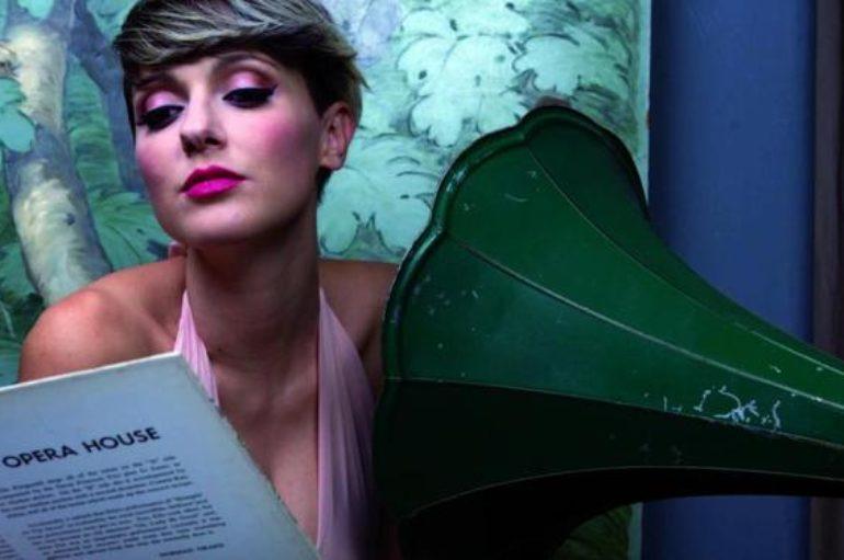 Simona Molinari e l'omaggio in musica alla sua terra
