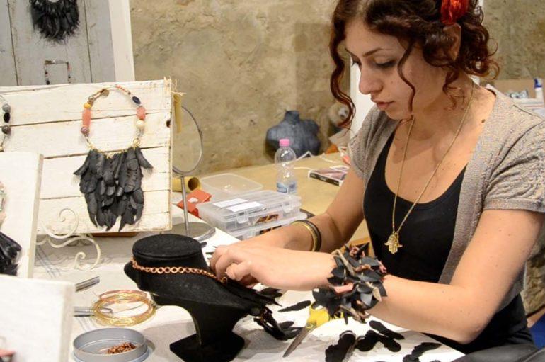 """""""Un fiore per Cami"""": arte, solidarietà e ricerca"""
