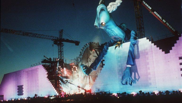 Trent'anni fa The Wall a Berlino: Roger Waters buttò giù il Muro