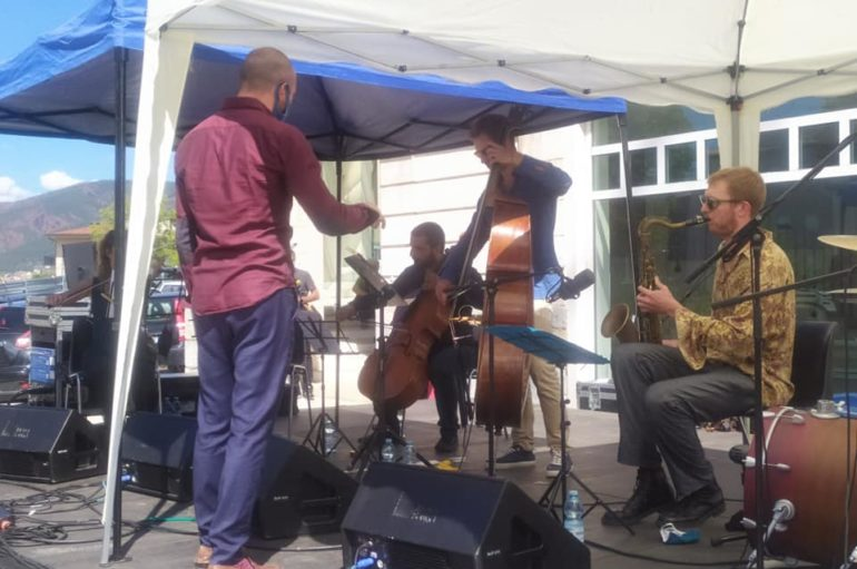 Il Jazz sulle transenne segnate dal sisma