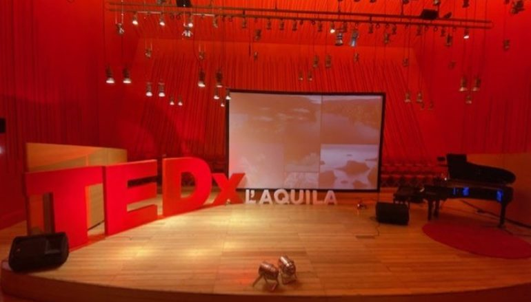TedX L'Aquila, Casadilego incanta l'auditorium