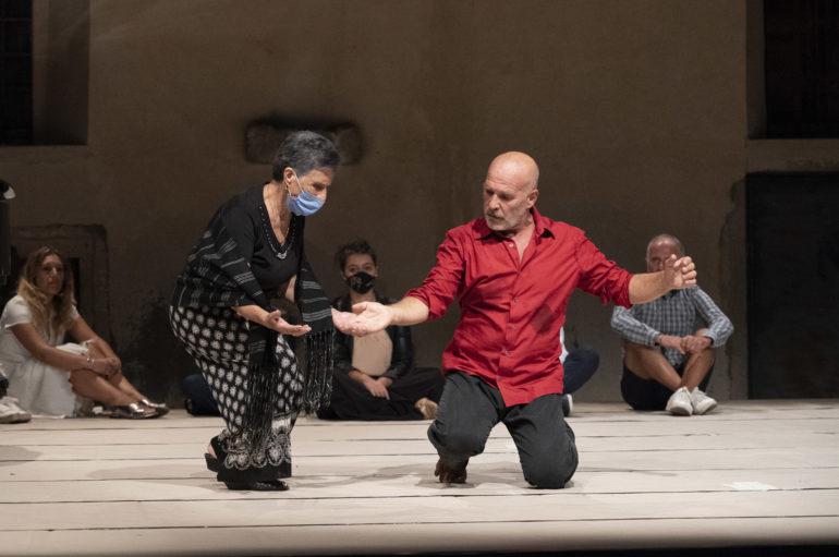 La danza di Sieni in anteprima del festival Performative.01